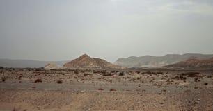 Ägyptische Wüste und Mysty-Himmel im Tageslicht Stockbild