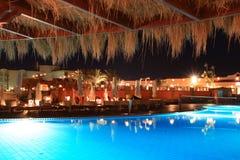 Ägyptisches Hotel nachts Lizenzfreie Stockfotos