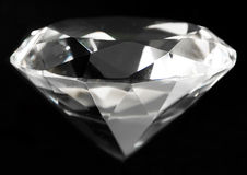 Äkta klar stor diamantkristall Arkivfoton