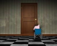 Äldre handikapp för kvinnarullstolhandikapp Arkivfoto