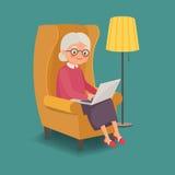 Äldre kvinnasammanträde i en stol med en bärbar dator royaltyfri illustrationer