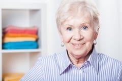 äldre lady arkivfoton