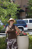 Äldre Lady med hatten Fotografering för Bildbyråer