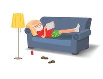 Äldre man som ligger på soffan med en minnestavla stock illustrationer