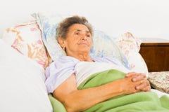 Äldre People's Daily böner Arkivbilder