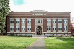Äldre segment av apotekbyggnad på den Oregon delstatsuniversitetet arkivbild