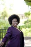 äldre utomhus- kvinna för afrikansk amerikan Royaltyfri Foto