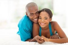 Älska afrikanska par Arkivbild