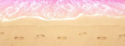 älska havet Havshjärtor Steg vatten red steg Arkivfoto