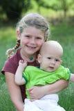 älska syster royaltyfri fotografi