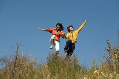 älska tonåringar Fotografering för Bildbyråer