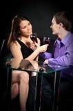 älska wineglasses för par Arkivbild
