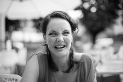 Älskvärd förvirrad kvinna Fotografering för Bildbyråer