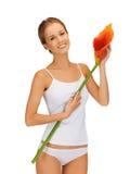 Älskvärd kvinna med callaen lilly Royaltyfri Foto