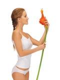 Älskvärd kvinna med callaen lilly Fotografering för Bildbyråer