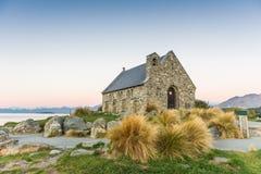 Älskvärd kyrka på sjön Tekapo, Nya Zeeland Arkivfoton