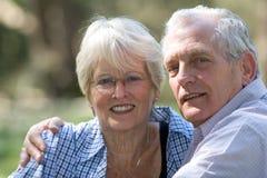 älskvärd pensionär för par Arkivbilder