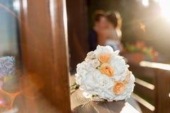 Älskvärd plats av bruden och brudgummen Fotografering för Bildbyråer