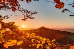 Älskvärda Autumn Landscape Panorama Picture royaltyfri fotografi