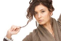 älskvärda brunettklänningsmycken arkivfoton