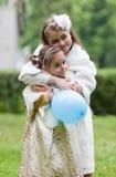 Älskvärda systrar Royaltyfria Bilder