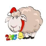 Älskvärt lamm i jultomten lock med klockan Arkivfoto