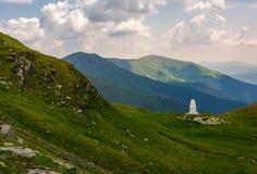 Älskvärt landskap i fagarasberg Royaltyfri Bild