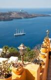 Älskvärt staket i Oia, Santorini Royaltyfria Bilder