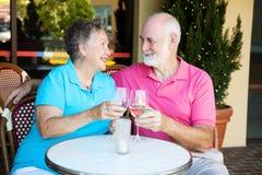 Ältere auf romantischem Datum Stockfotografie