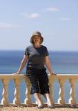 Ältere Dame auf Ferien Lizenzfreie Stockfotos