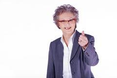 Ältere Dame mit den Daumen oben lizenzfreie stockbilder
