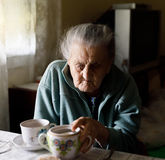 Ältere einsame Frau Lizenzfreie Stockfotos