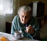Ältere einsame Frau Lizenzfreie Stockbilder