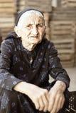 Ältere Frau im Kleid stockfoto