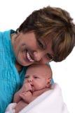 Ältere Frau mit einem neugeborenen Lizenzfreies Stockfoto