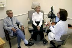 Ältere Gesundheitsausgaben Stockfotos