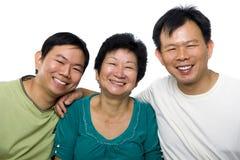 Ältere Mutter- und Erwachsensöhne Stockbild