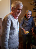 Ältere Paare Innen Lizenzfreie Stockbilder