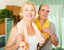 Ältere Paare nach der Ausbildung Stockfoto