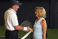 Ältere Tennis-Abgleichung Lizenzfreie Stockbilder
