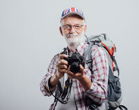 Älterer Abenteurer und Fotograf lizenzfreie stockfotografie