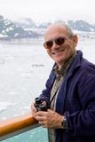 Älterer auf Kreuzschiff Stockbilder