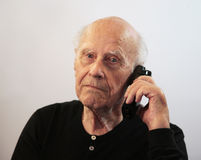Älterer beim Aufruf lizenzfreie stockfotos