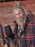 Älterer exzentrischherr mit einer speziellen Frisur Stockfotografie