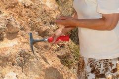 Älterer Frauen-Geologe lizenzfreies stockfoto