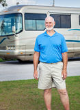 Älterer Mann mit Bewegungshaus Stockfotos