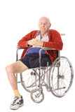 Älterer Mann mit Fahrwerkbeinamputierungvertikale Lizenzfreies Stockbild