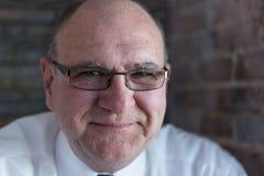 Älterer Mann mit Gläsern Lizenzfreie Stockfotografie