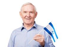 Älterer Mann mit israelischer Flagge Stockfoto