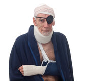 Älterer Mann mit mehrfachen Verletzungen Stockbild